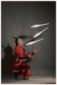 Четыре предмета для жонглирования
