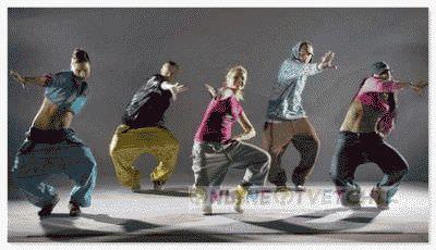 Дома научится танцевать хип-хоп группой