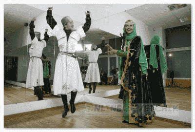 Танцевать лезгинку на уроках