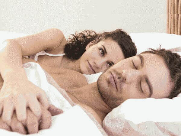 В постели с женой фото