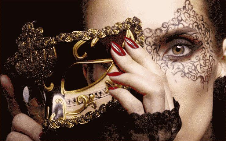 Style-girl-mask-carnival-gold-face-make-up-green-eyed-hands-nails-red-4-Sizes-Wall