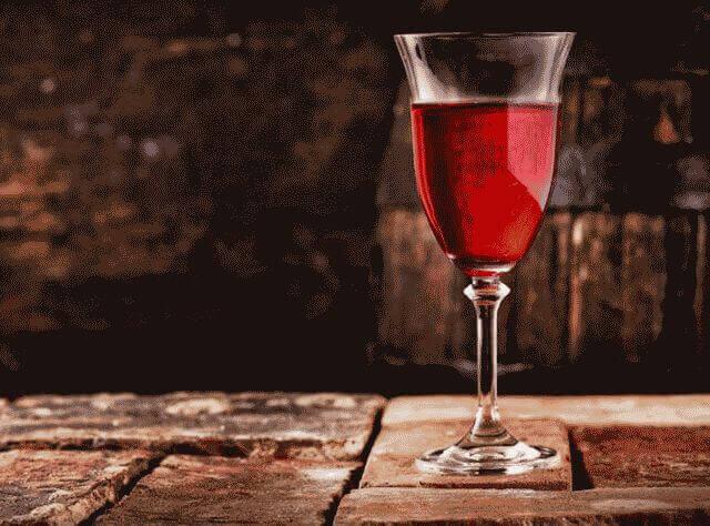 Как сделать вино из смородины в домашних условиях?