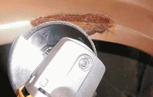Как убрать ржавчину с кузова автомобиля?