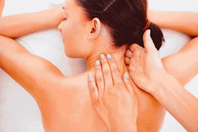 Как правильно делать массаж спины и шеи?