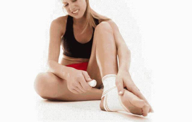 Болит нога в области стопы сверху: что делать?