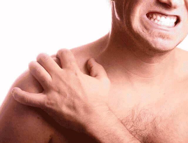 Болит плечо при поднятии руки вверх: лечение